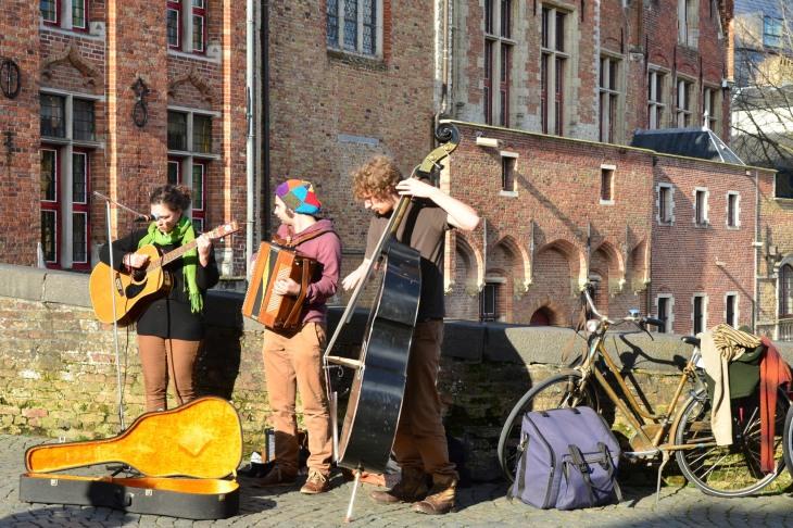 Buskers in Bruges